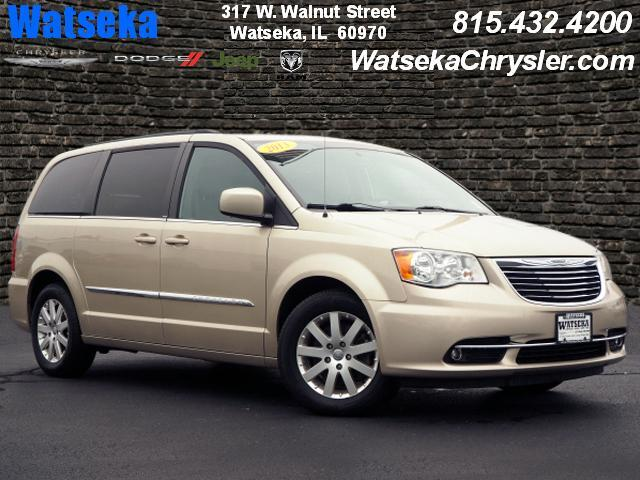 2013 Chrysler Town & Country Touring Dwight IL