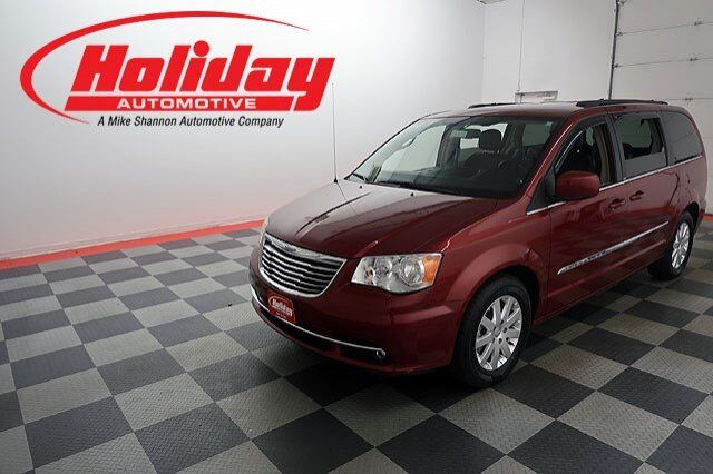 2013 Chrysler Town & Country Touring Fond du Lac WI