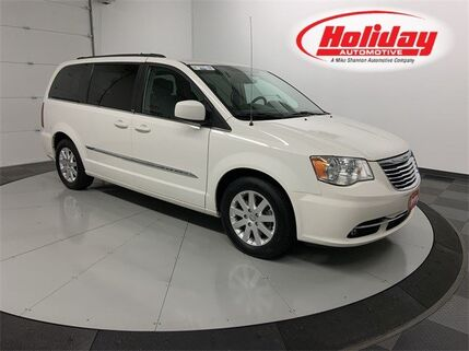 2013_Chrysler_Town & Country_Touring_ Fond du Lac WI