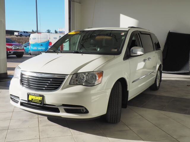 2013 Chrysler Town & Country Touring-L Epping NH