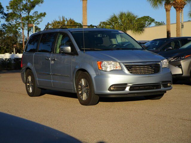 vehicle details 2013 chrysler town country at scanlon lexus of fort myers fort myers. Black Bedroom Furniture Sets. Home Design Ideas