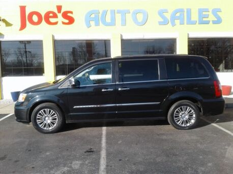 2013_Chrysler_Town & Country_Touring-L_ Indianapolis IN