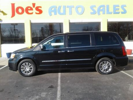 2013 Chrysler Town & Country Touring-L Indianapolis IN