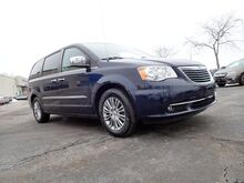 2013_Chrysler_Town & Country_Touring-L_ Libertyville IL