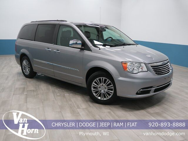 2013 Chrysler Town & Country Touring-L Plymouth WI