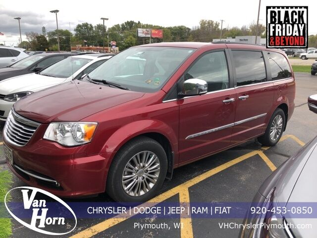 2013 Chrysler Town and Country Touring-L Plymouth WI