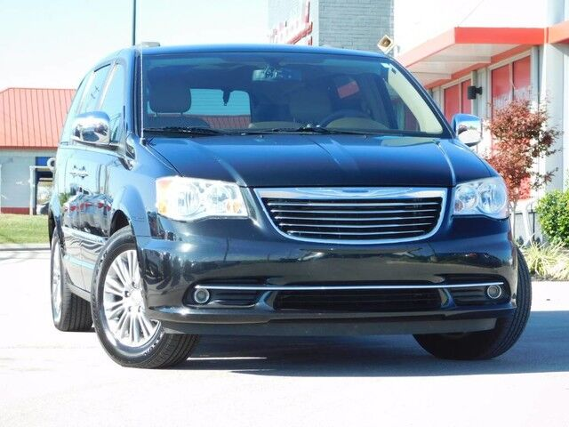 2013 Chrysler Town & Country Touring-L Richmond KY