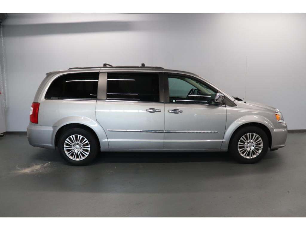 2013 Chrysler Town & Country Touring-L Terre Haute IN