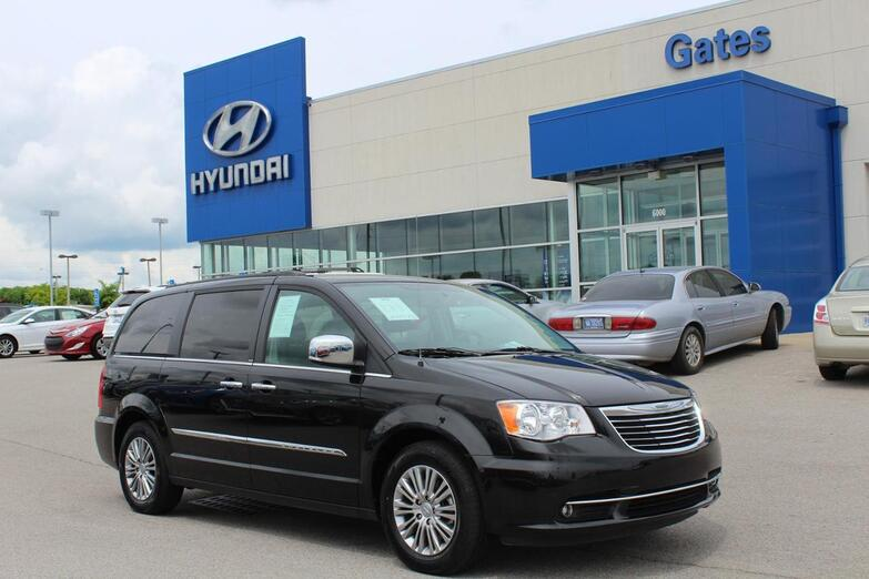 2013 Chrysler Town & Country Touring L w/Leather-DVD-Rr Camera Richmond KY