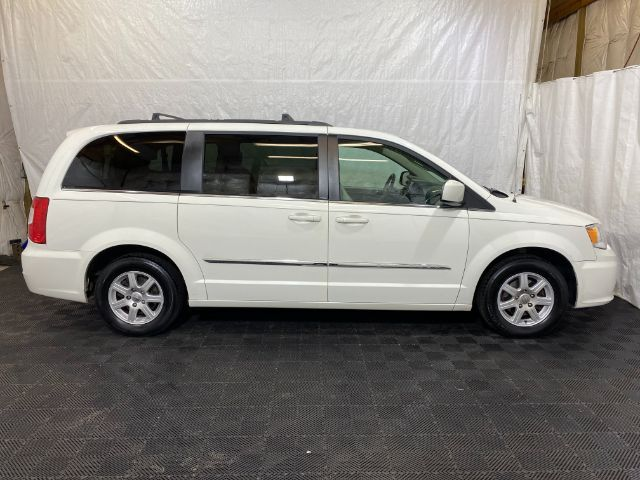 2013 Chrysler Town & Country Touring Middletown OH