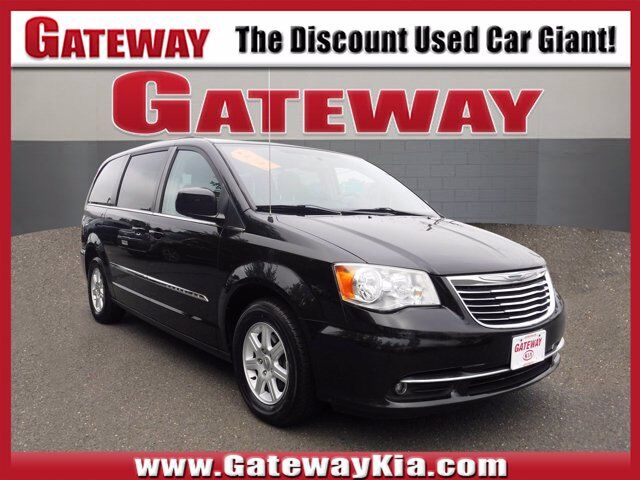 2013 Chrysler Town & Country Touring North Brunswick NJ