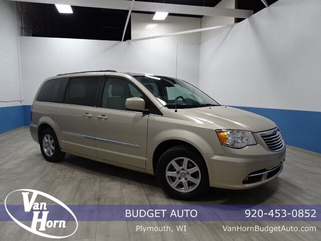 2013 Chrysler Town and Country Touring Plymouth WI
