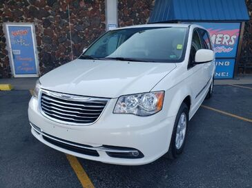 2013_Chrysler_Town & Country_Touring_ Saint Joseph MO