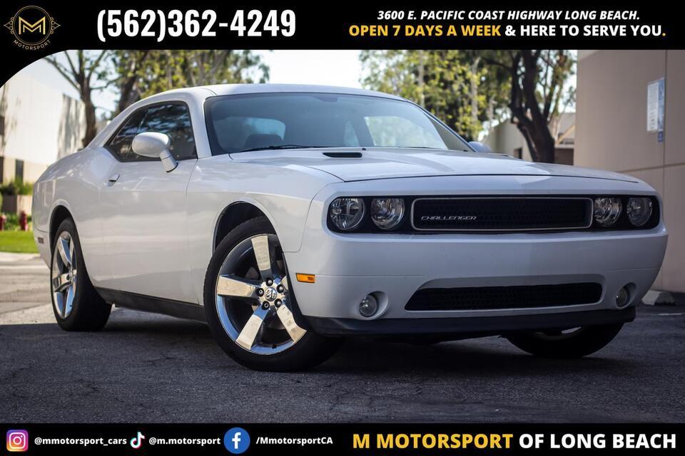 2013_Dodge_Challenger_SXT Plus Coupe 2D_ Long Beach CA