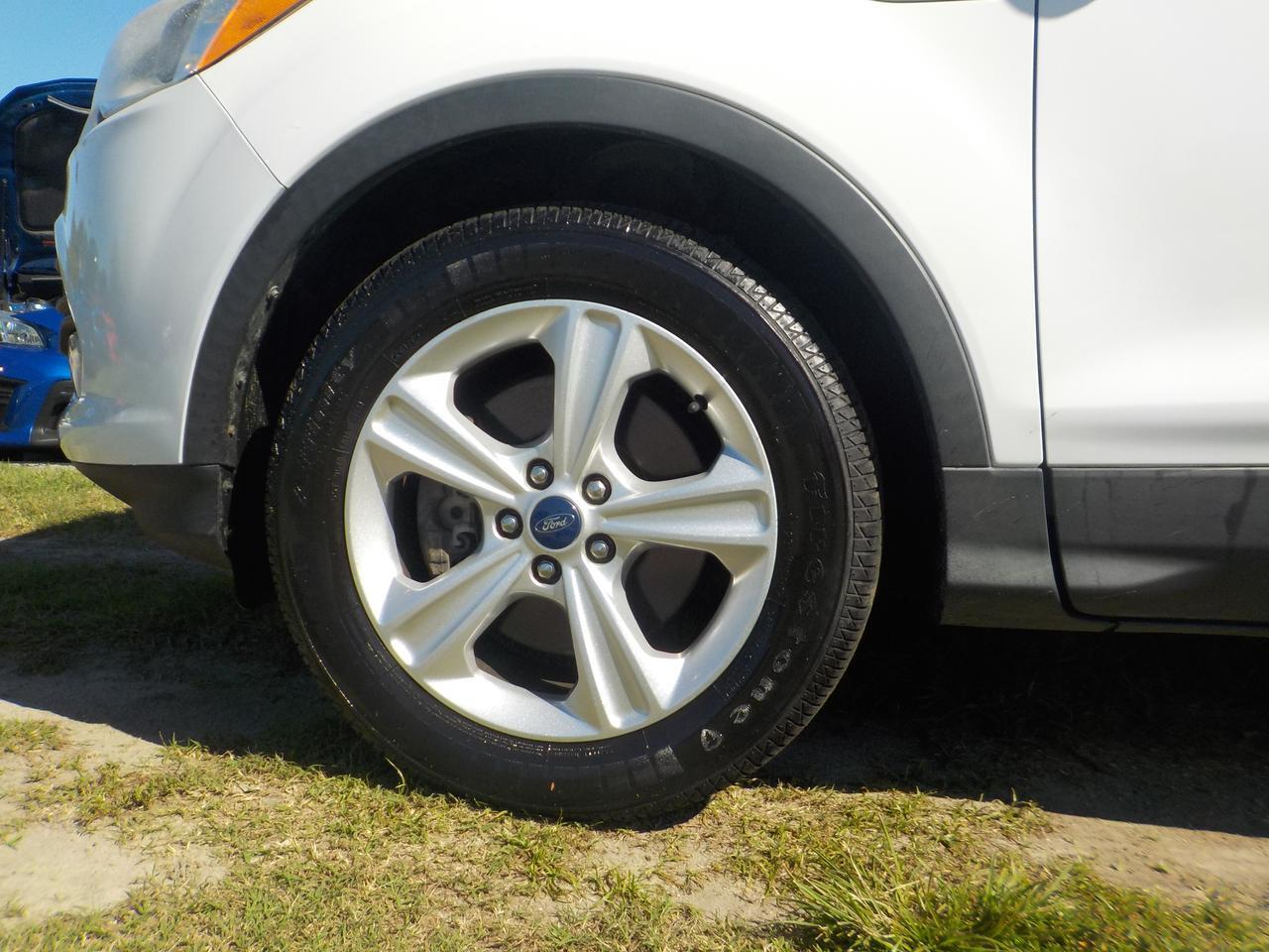 2013 FORD ESCAPE SE, BLUETOOTH, PREMIUM WHEELS, FORD SYNC, KEYLESS ENTRY, LOW MILES! Virginia Beach VA