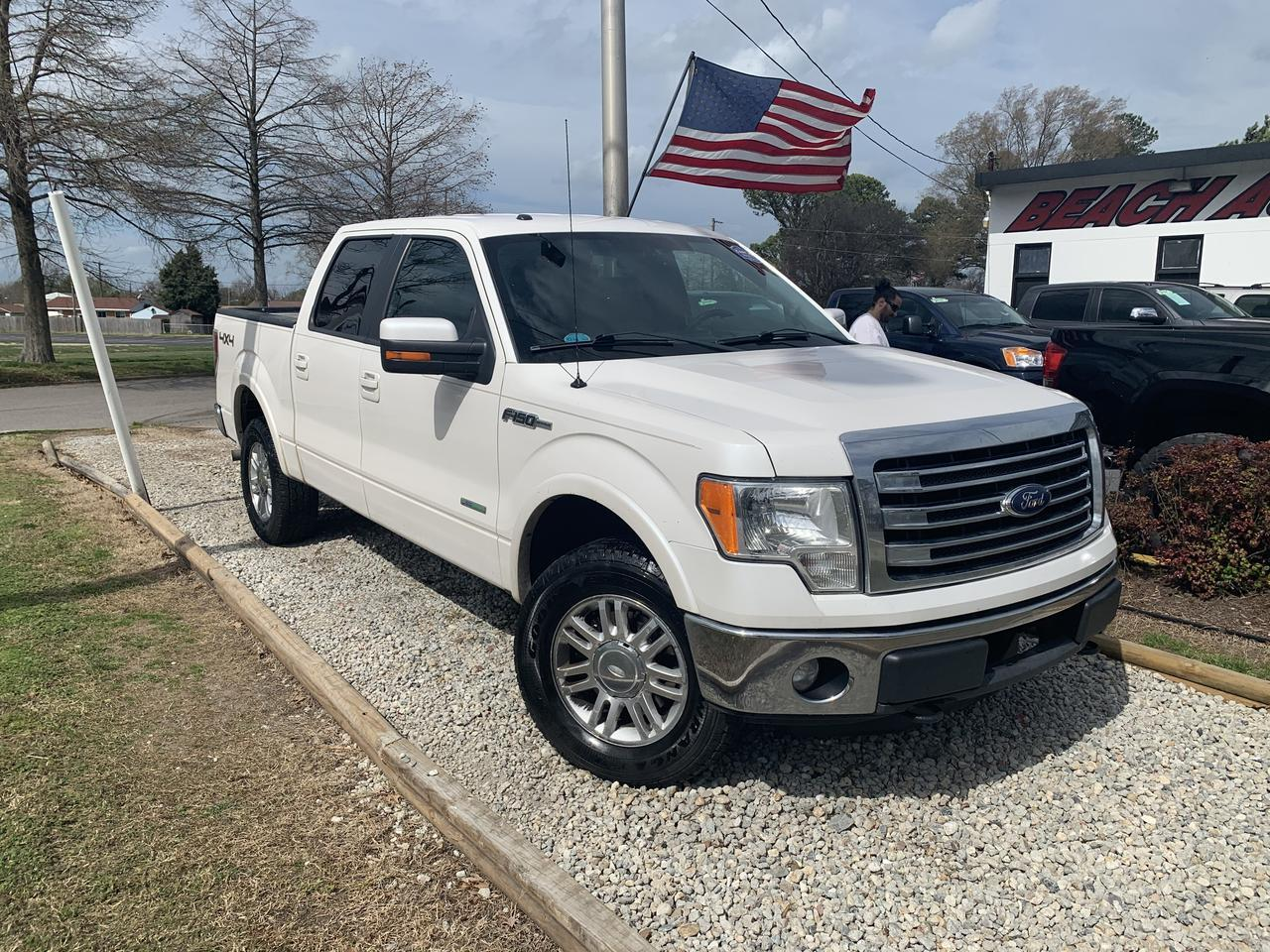 2013 FORD F-150 LARIAT SUPER CREW 4X4, WHOLESALE TO THE PUBLIC, BACKUP CAM, BLUETOOTH, NAV, HEATED SEATS!