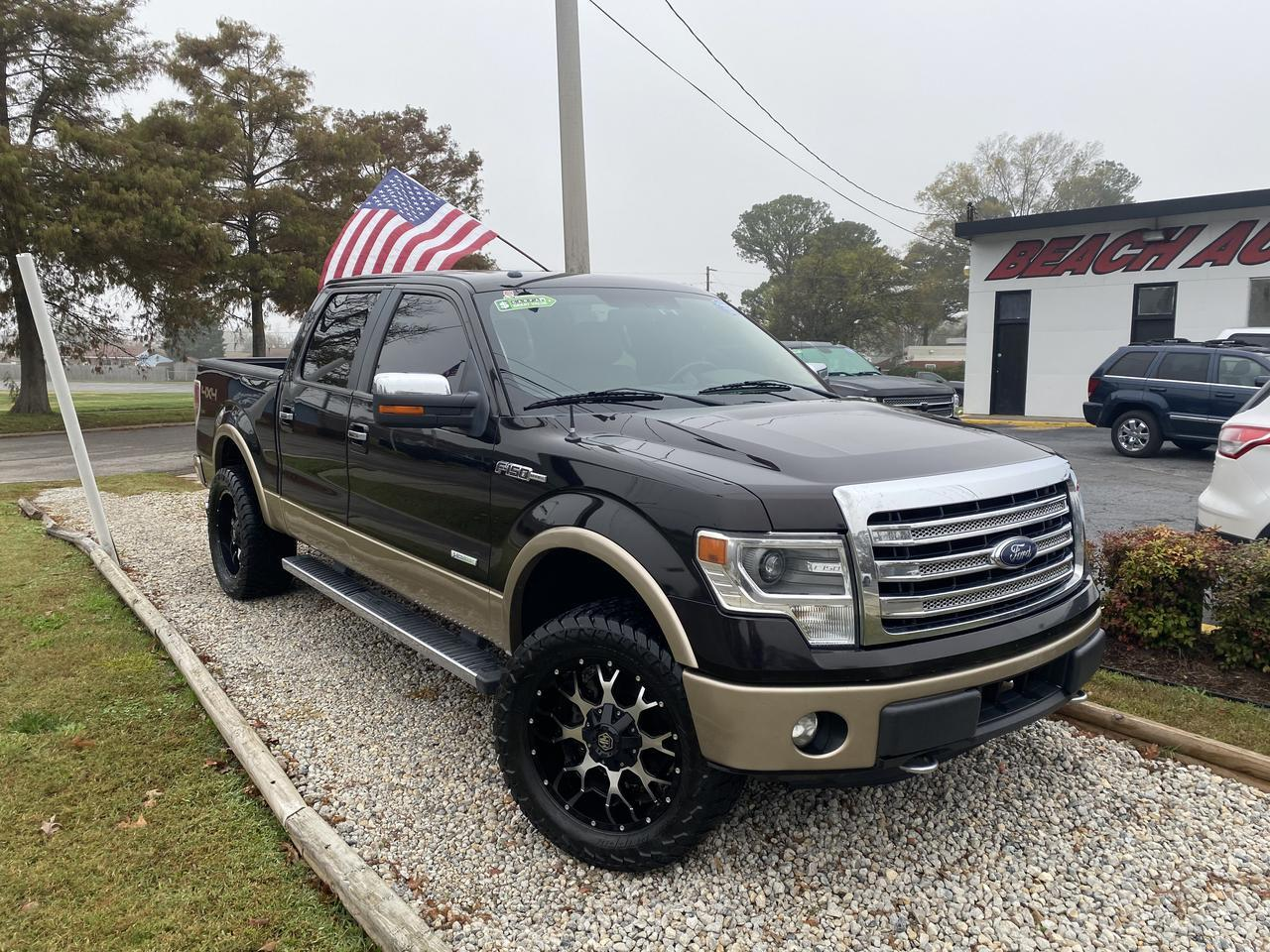 2013 FORD F-150 LARIAT SUPERCREW 4X4, WARRANTY, LEATHER, NAV, HEATED/COOLED SEATS, SONY SOUND!