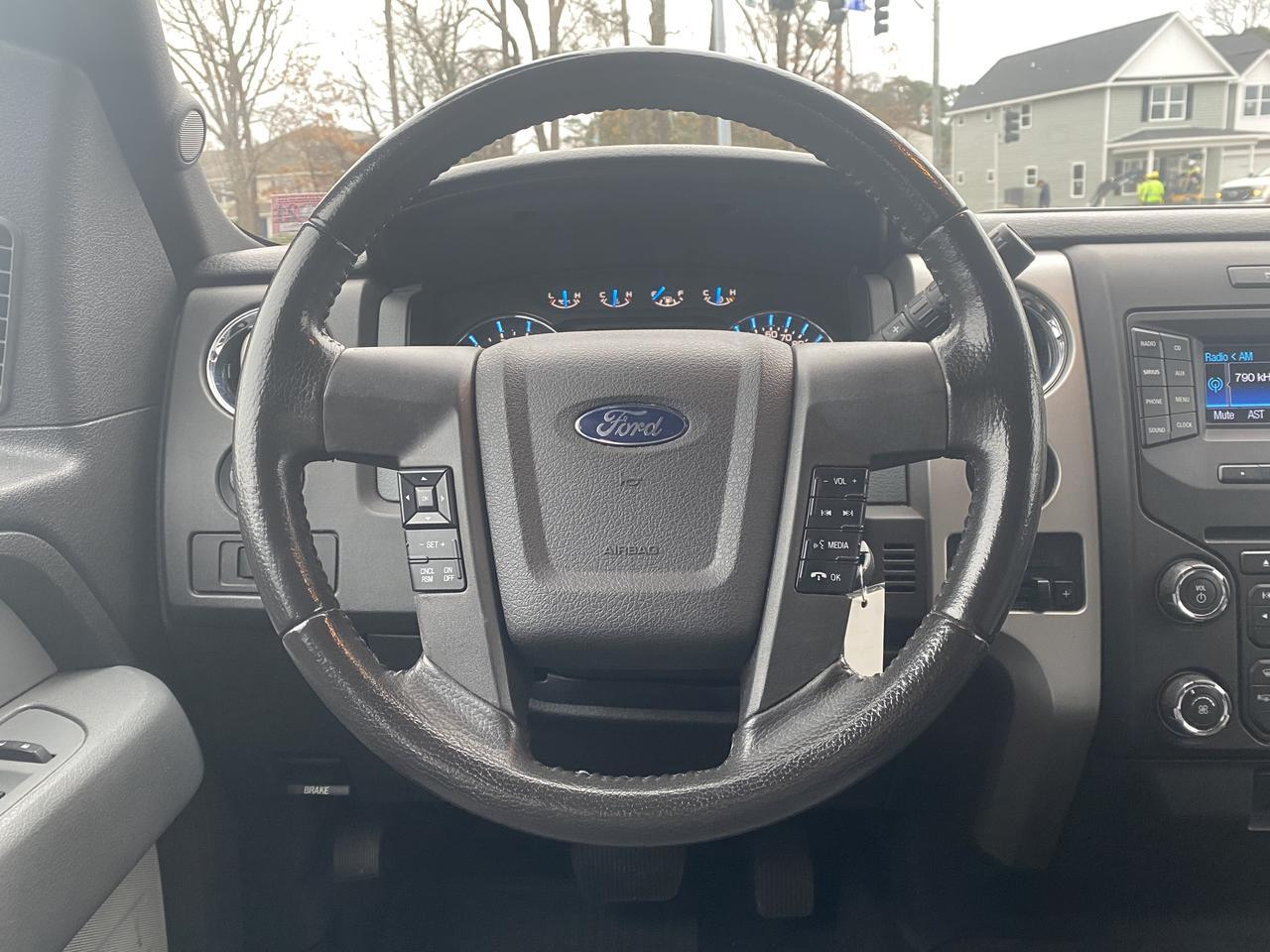 2013 FORD F-150 XLT SUPERCREW 4X4, WARRANTY, BLUETOOTH, SIRIUS RADIO, AUX/USB PORT, RUNNING BOARDS! Norfolk VA