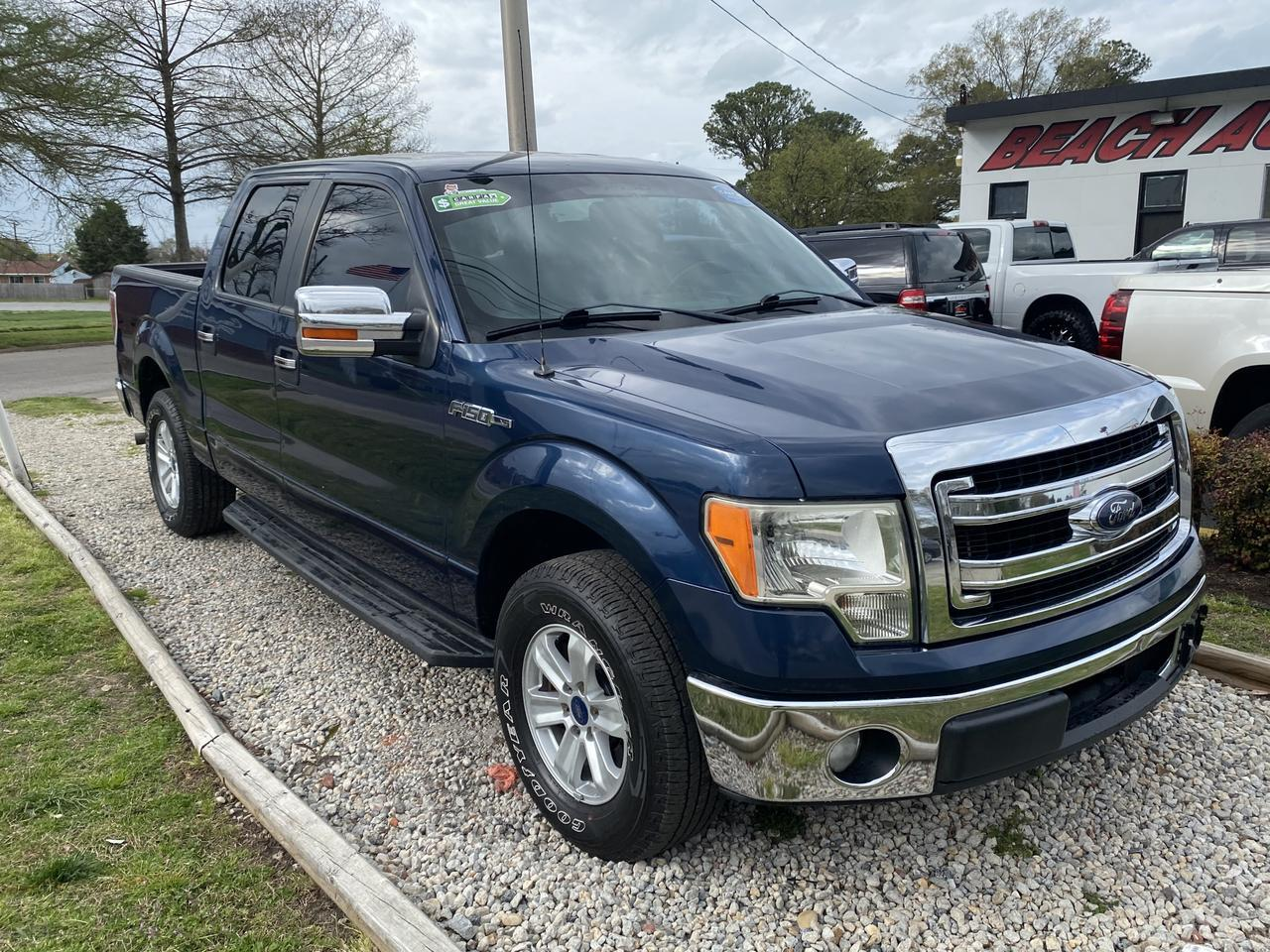2013 FORD F-150 XLT SUPERCREW, WARRANTY, BLUETOOTH, PARKING SENSORS, AUX/USB PORT, RUNNING BOARDS, A/C! Norfolk VA