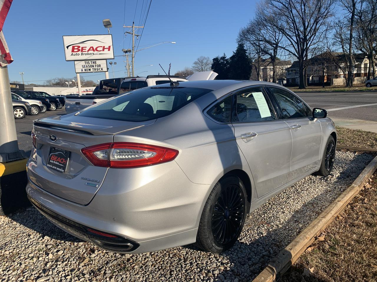 2013 FORD FUSION TITANIUM, WARRANTY, LEATHER, SUNROOF, REMOTE START, NAV, BACKUP CAM, LOW MILES, CLEAN CARFAX! Norfolk VA