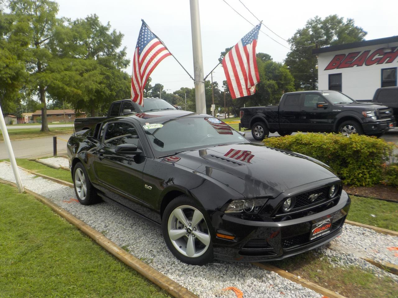 2013 FORD MUSTANG GT, WARRANTY, MANUAL, SIRIUS RADIO, 6 DISC CD PLAYER, AUX  PORT, USB PORT, ONLY 46K MILES!