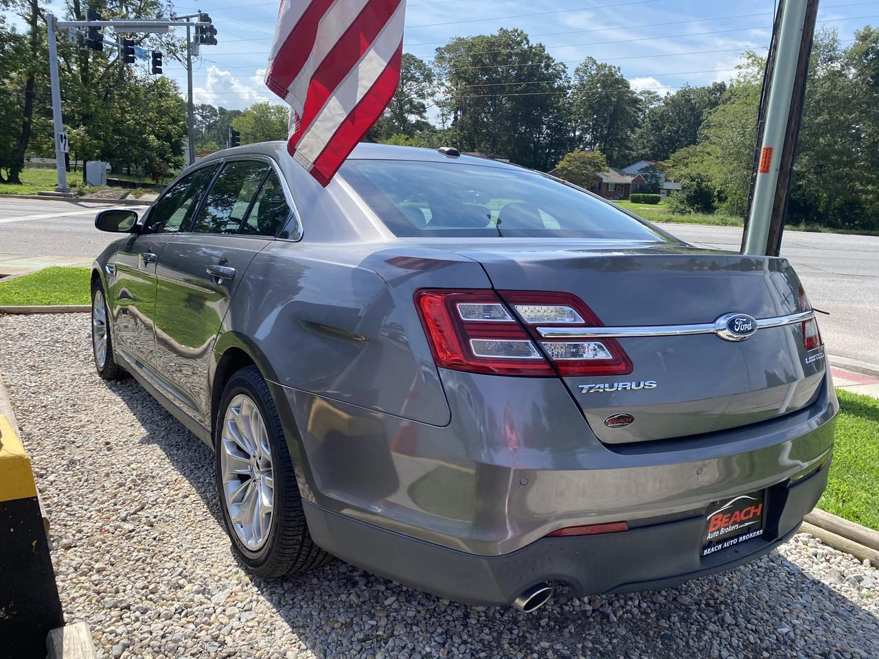 2013 FORD TAURUS LIMITED, WARRANTY, HEATED/COOLED SEATS, BACKUP CAM, PARKING SENSORS, SUNROOF, CLEAN CARFAX! Norfolk VA