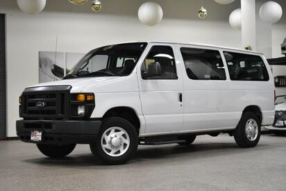 2013_Ford_Econoline E-150_10 Passenger_ Boston MA