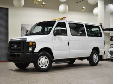 2013_Ford_Econoline E-250_10 Passenger Van_ Boston MA