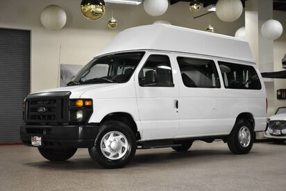 2013_Ford_Econoline E-250_Wheelchair Van_ Boston MA