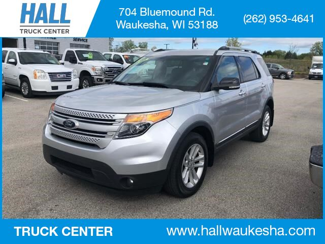 2013 Ford Explorer XLT AWD with Nav/3rd Row Waukesha WI