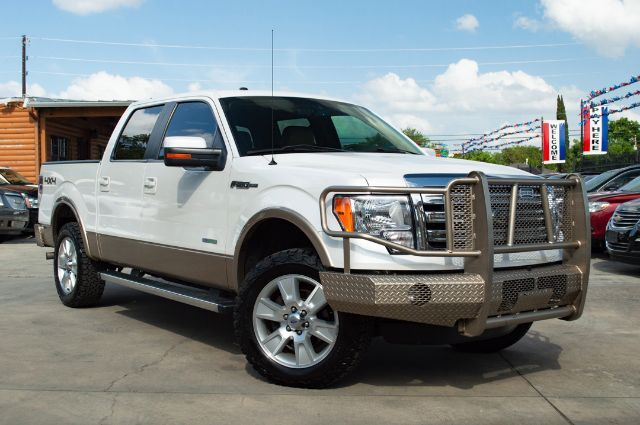 2013_Ford_F-150_Lariat SuperCrew 5.5-ft. Bed 4WD_ San Antonio TX