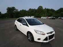 2013_Ford_Focus_S_ Murfreesboro TN