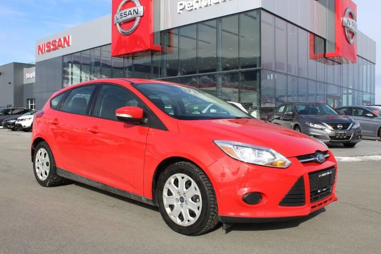 2013 Ford Focus SE, Auto, w/ Race Red Exterior and Heated Seats Penticton BC