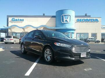 2013_Ford_Fusion_4dr Sdn SE FWD_ Richmond KY