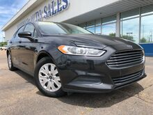 2013_Ford_Fusion_S_ Jackson MS
