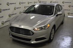 2013_Ford_Fusion_S_ Kansas City MO