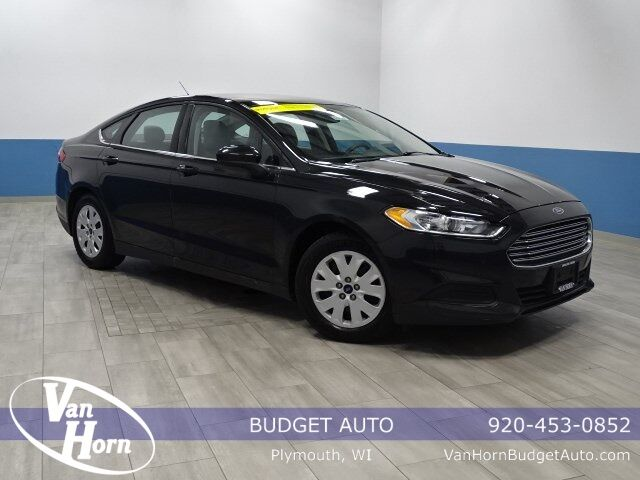 2013 Ford Fusion S Plymouth WI