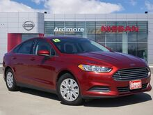 2013_Ford_Fusion_S_