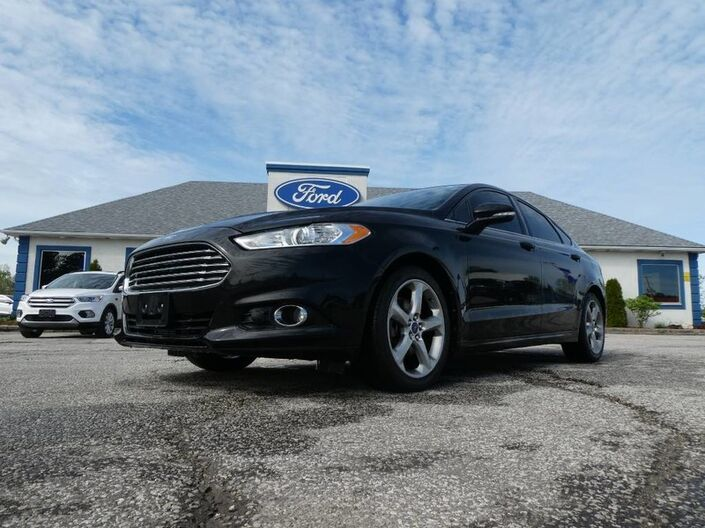 2013 Ford Fusion SE- BLUETOOTH- BACKUP CAM- HEATED SEATS Essex ON