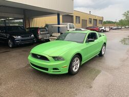 2013_Ford_Mustang_V6_ Cleveland OH
