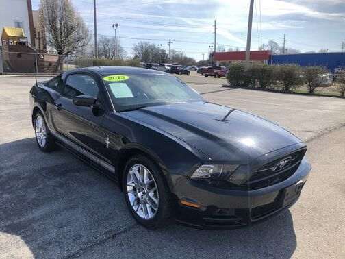 2013_Ford_Mustang_V6 Coupe_ Frankfort KY