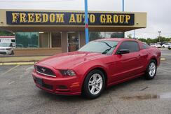 2013_Ford_Mustang_V6_ Dallas TX