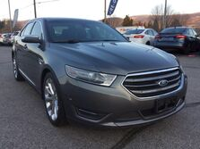 Ford Taurus AWD LOCAL CAR ONE OWNER SERVICED AT SKAHA FORD Penticton BC