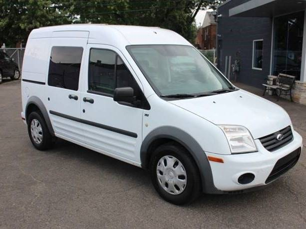 2013 Ford Transit Connect Cargo Van XLT 4dr Mini w/Side and Rear Glass Chesterfield MI