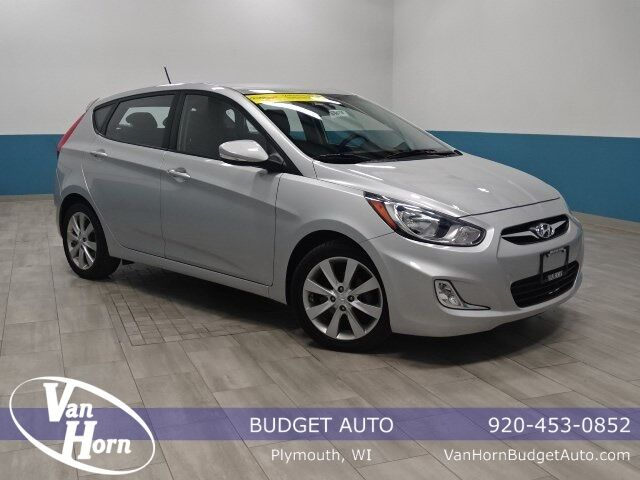 2013 Hyundai Accent SE Plymouth WI