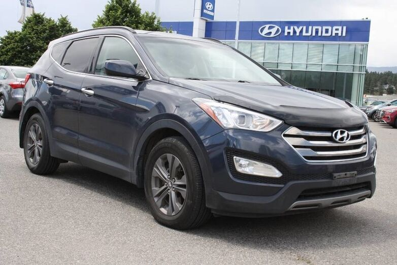 2013 Hyundai Santa Fe Premium No Accident,Bluetooth, Heated seats,Alloy wheels. Kelowna BC