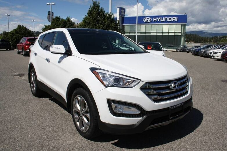 2013 Hyundai Santa Fe SE 2.0T/240HP/Leather/Sunroof. Kelowna BC