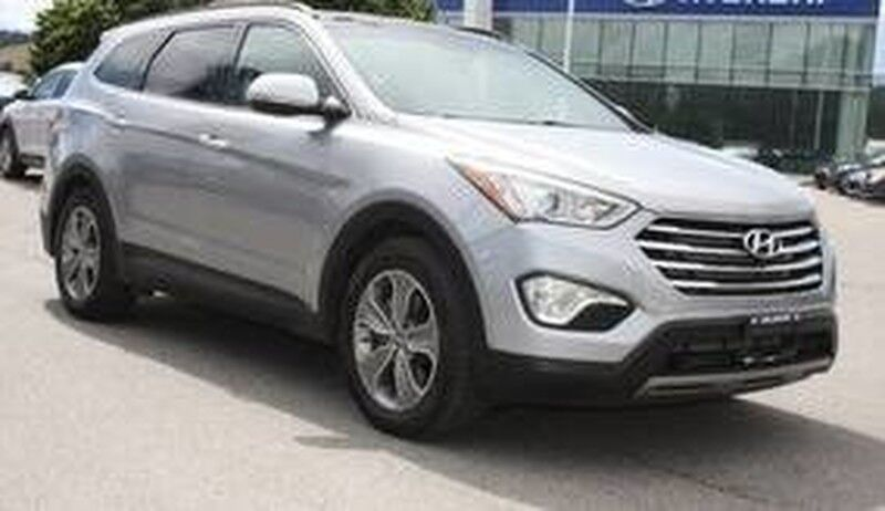 2013 Hyundai Santa Fe XL Luxury Bluetooth, Heated seats, Leather, Sunroof. Kelowna BC