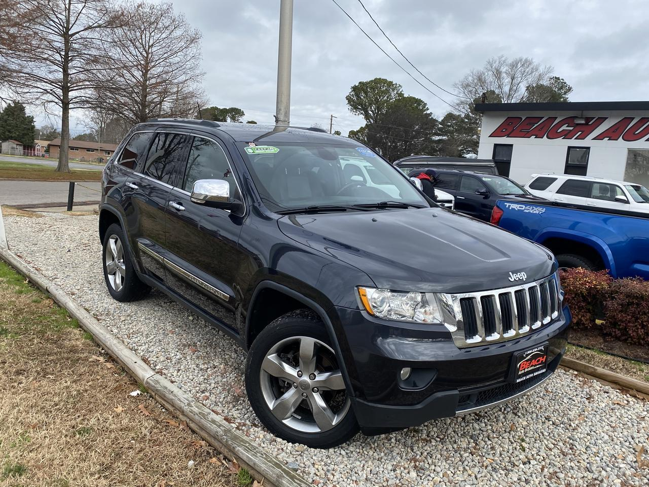 2013 JEEP GRAND CHEROKEE LIMITED 4X4, WARRANTY, LEATHER, SUNROOF, NAV, HEATED/COOLED SEATS, BLUETOOTH, BACKUP CAM, 1 OWNER! Norfolk VA