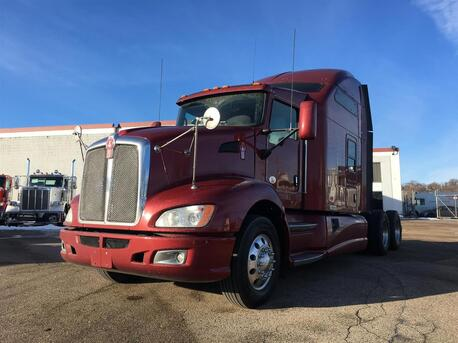 2013_Kenworth_T660_Raised Roof_ Eau Claire MN
